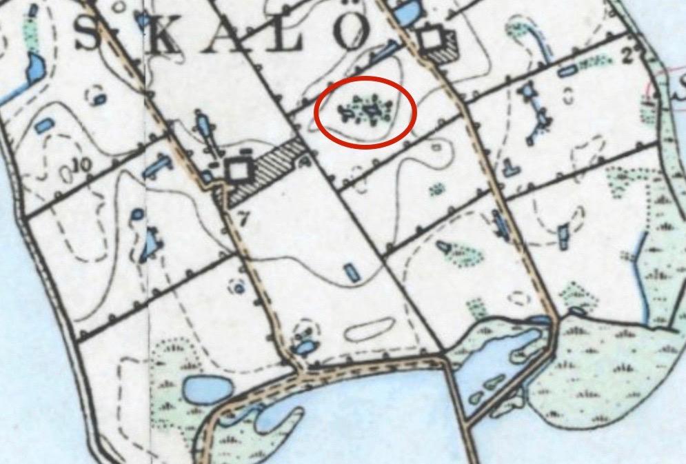 På kortet fra 1862 er det muligvis langdyssen der er afmærket i den røde cirkel
