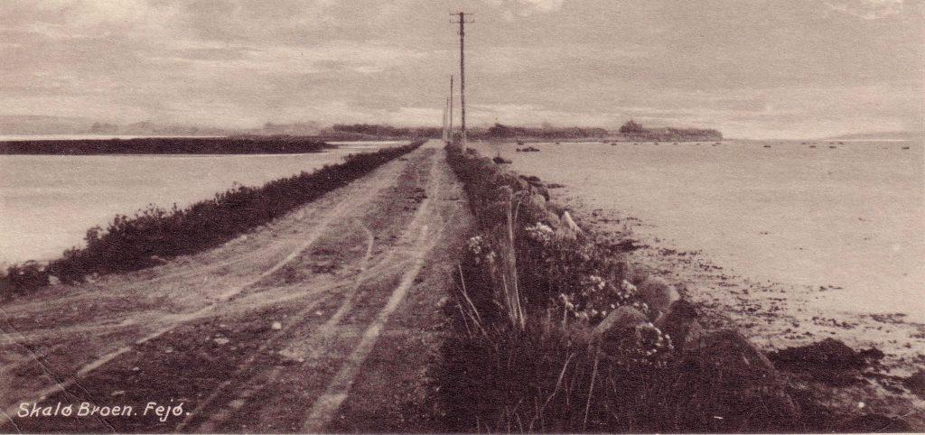 Skalødæmningen set mod Fejø omkring 1930